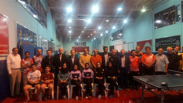 بازدید رئیس فدراسیون تنیس از آخرین تمرینات تیم اعزامی مسابقات نیوکاسل